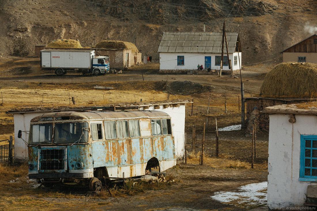 Kirghizstan Pamir Montagne Reportage Paysages Sary-Tach Van Dépouille