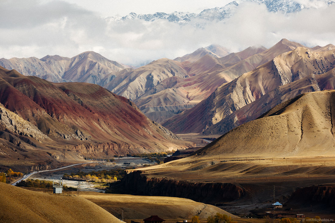 Kirghizstan Pamir Montagne Reportage Paysages Route Asphalte Sary Tach Och