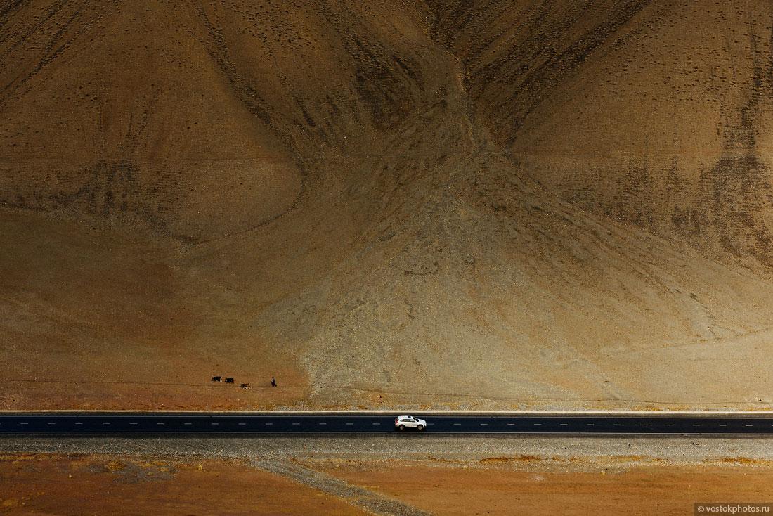 Kirghizstan Pamir Montagne Reportage Paysages Route Voiture