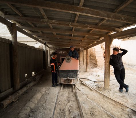 Famille Mine Sel Kirghizstan Photo du Jour Antoine Béguier