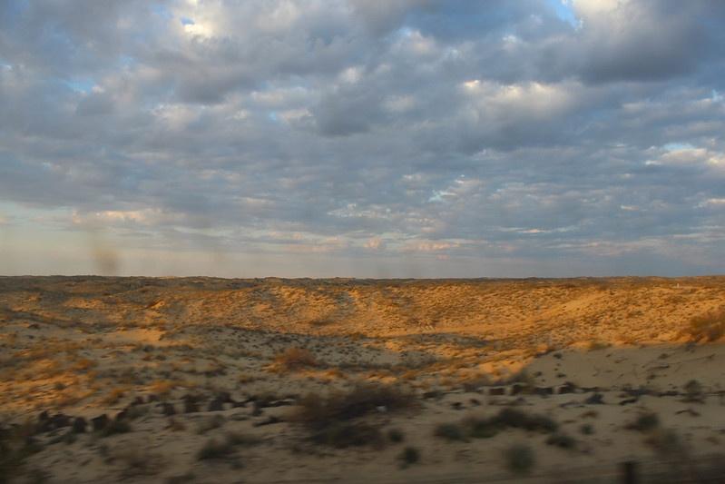 Kazakstan Oyil Aktioube Désert Oasis Pétrole