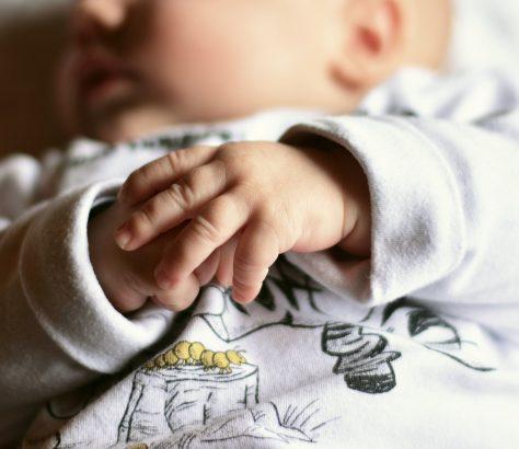 Enfants bébés Russie Asie centrale abandon migrants