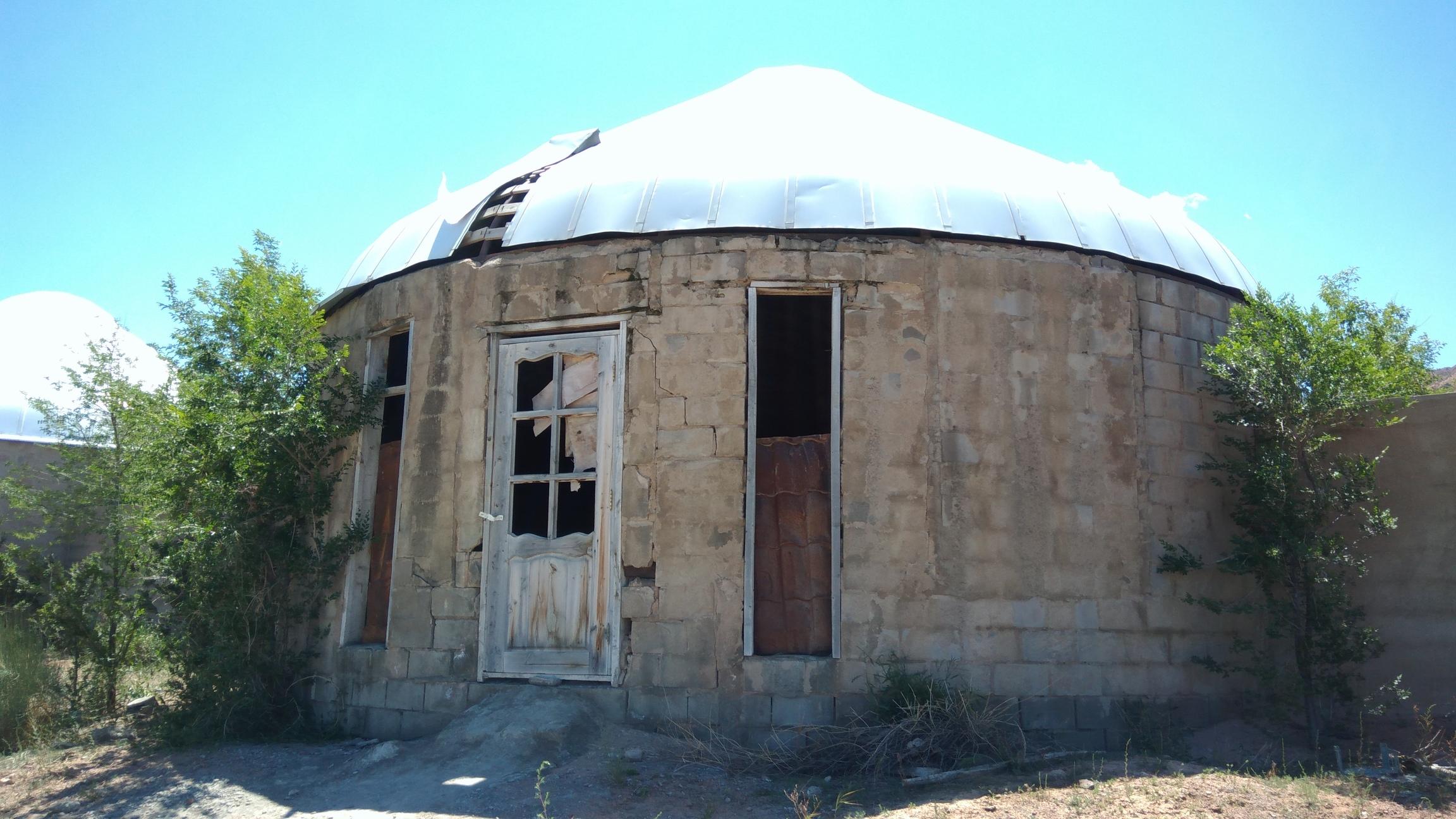 Aalam Ordo Total Yourtes Ruine Kirghizstan