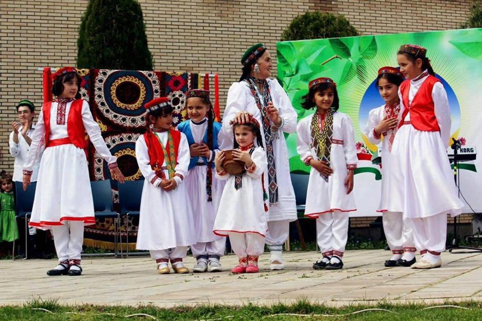 Zarragoul Iskandarova Ecolde de Danse Tadjikistan Pamir Gonro-Badakhshan Folklore Coutume