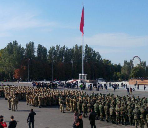 Kirghizstan Révolution Armée Bichkek Politique Sooronbaï Jeenbekov