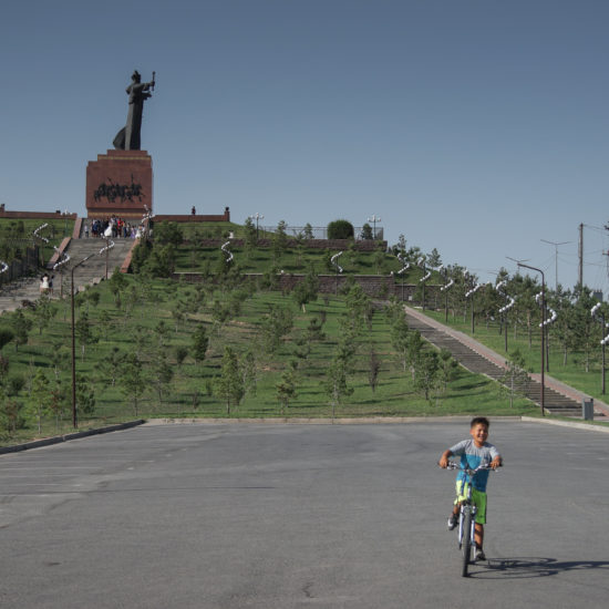 Kazakhstan Chimkent Statue équestre Cyclisme