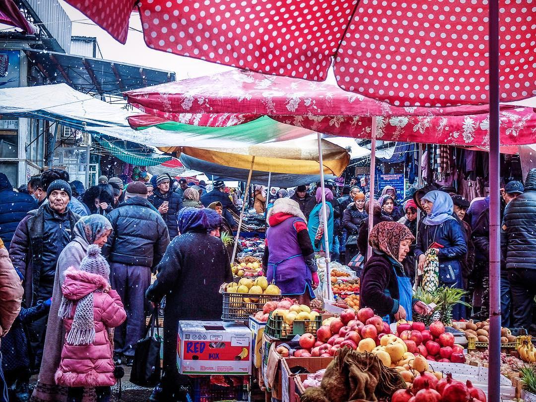 Tadjikistan Isfara neige bazar
