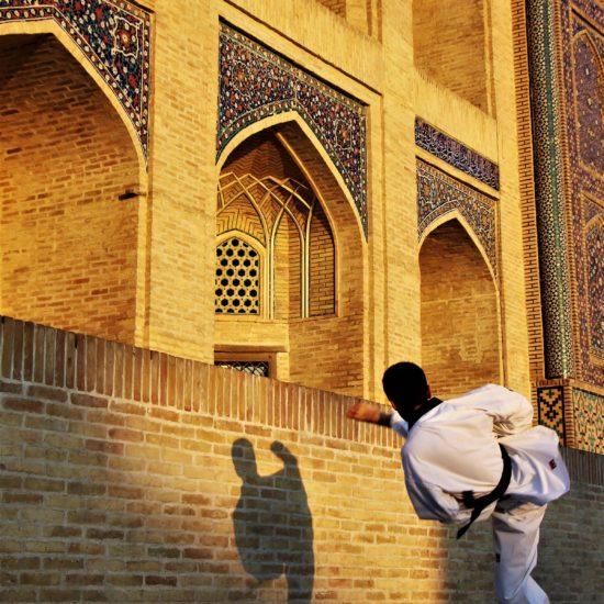 Taekwondo Mir-i Arab Médersa Boukhara Ouzbékistan