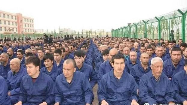 Ouïghours Kazakhs Musulmans Chine Xinjiang Camps