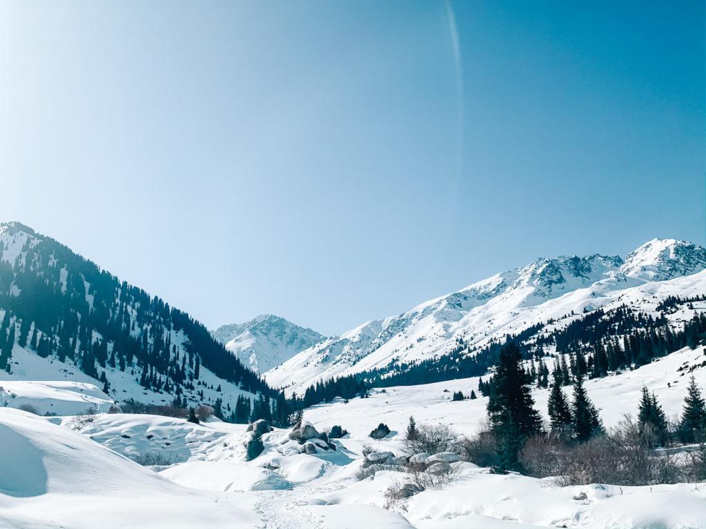 Kirghizistan ala-kool lac hiver neige