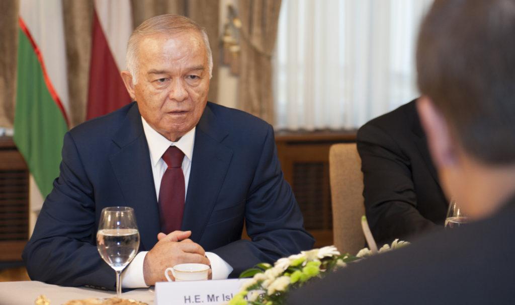 Ouzbékistan Islam Karimov Démocratie Autocratie Politique