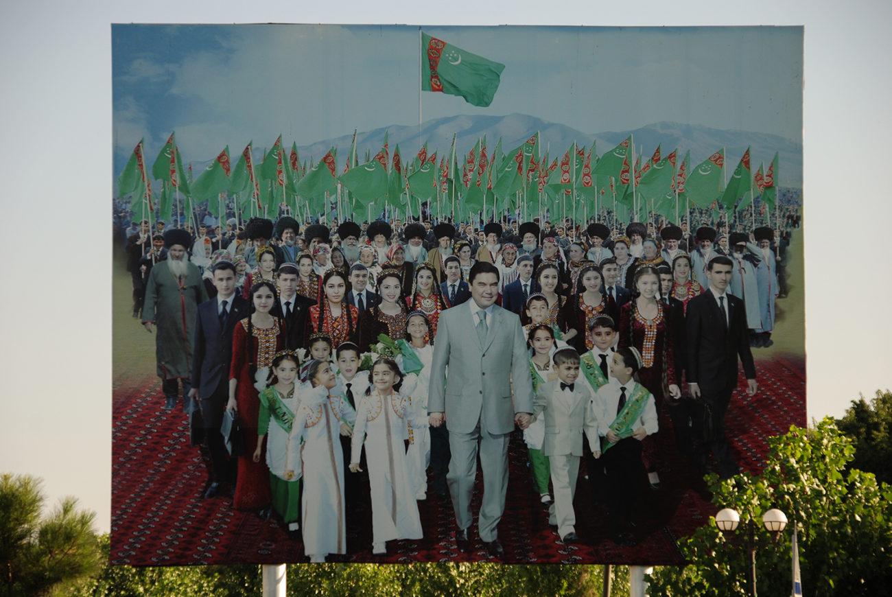 turkménistan Mary turkmenbachi niyazov gourbangouly Berdimouhamedov culte de la personnalité