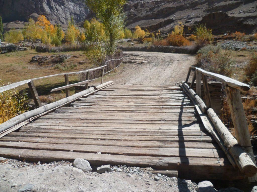 Pont route Tourisme Tadjikistan Campagnes Environnement Développement Economie