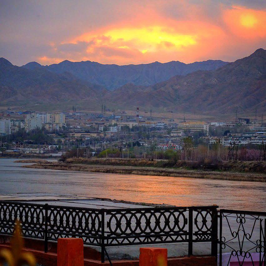 tadjikistan khoujand khodjent coucher de soleil montagnes