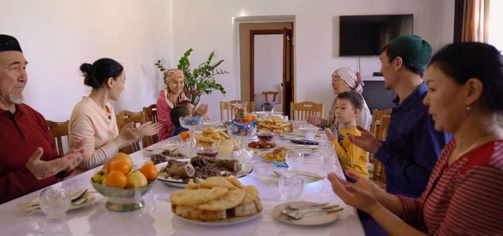 Kyzbolsyn documentaire repas