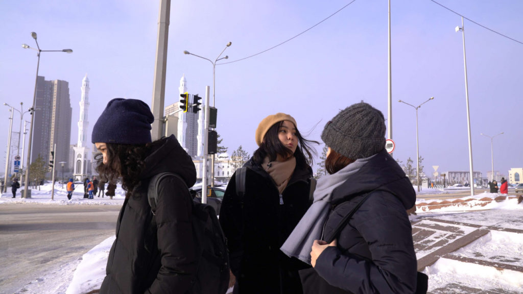 Jeunes filles Kyzbolsyn documentaire