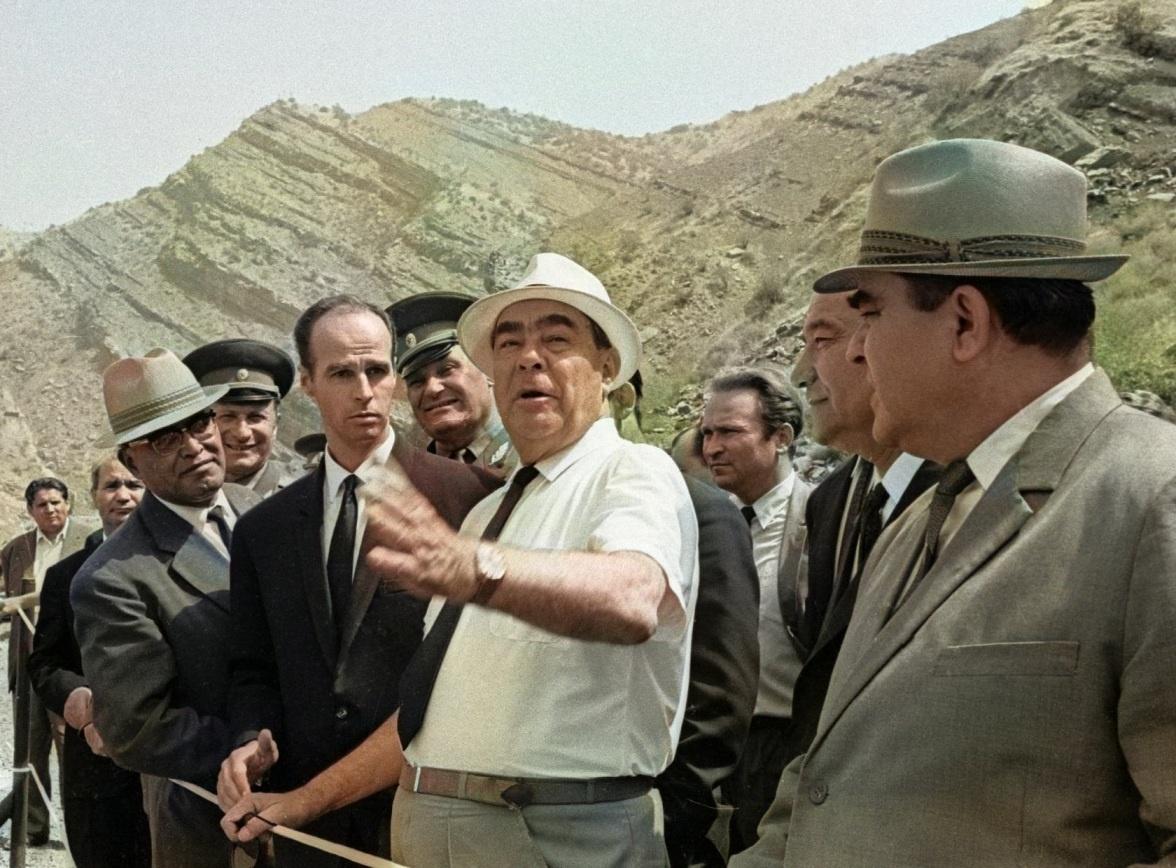 Brejnev Nourek Hydroélectrique