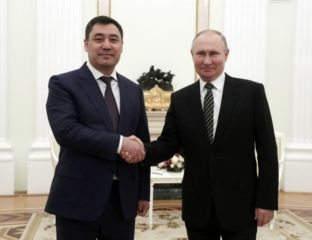Vladimir Poutine Sadyr Japarov Kirghizstan Russie Vaccin
