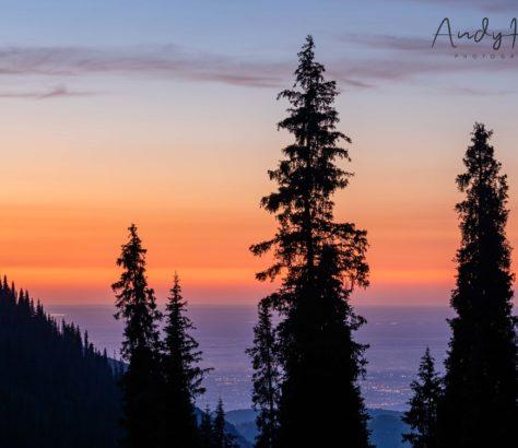 kazakhstan almaty coucher de soleil montagnes
