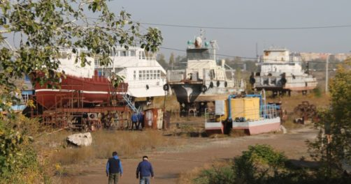 Environnement Kazakhstan Oural Chantier naval