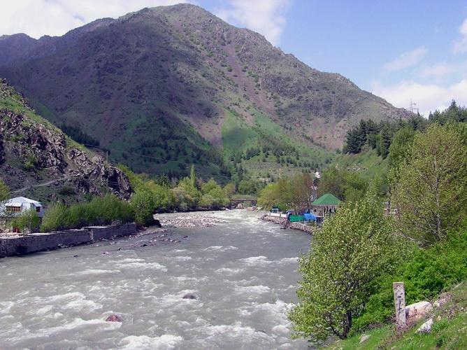 Tadjikistan Environnement Boisement Rivière Varzob