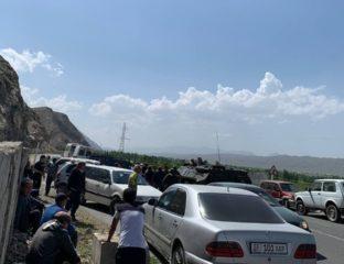 Kirghizstan Frontière Évacuation Civils