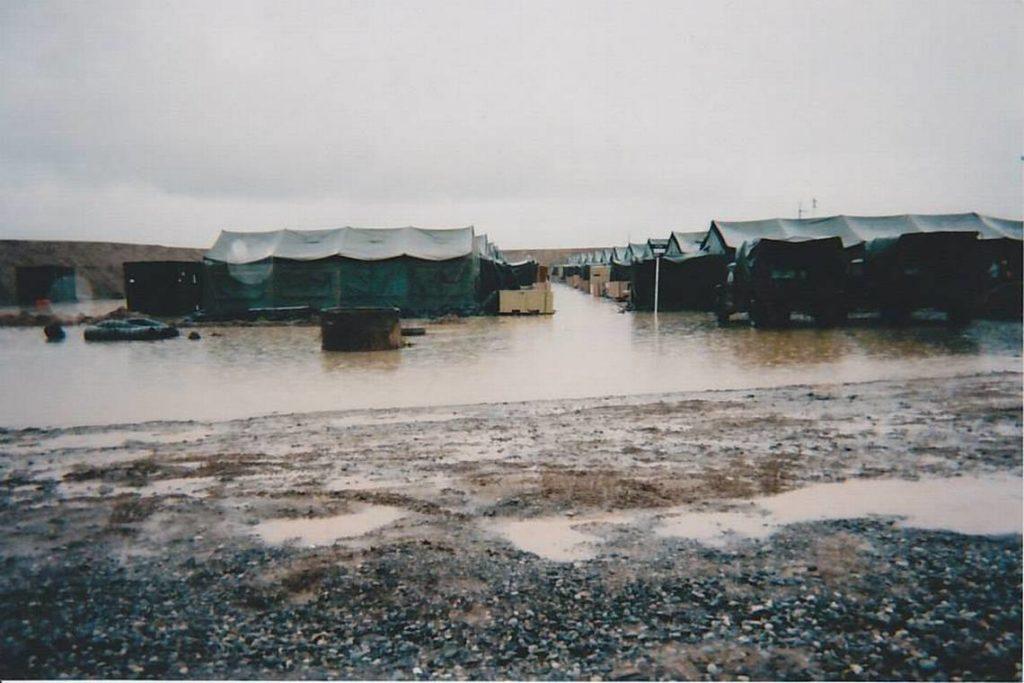 Base Militaire Karchi-Khanabad Ouzbékistan Pluie Inondation