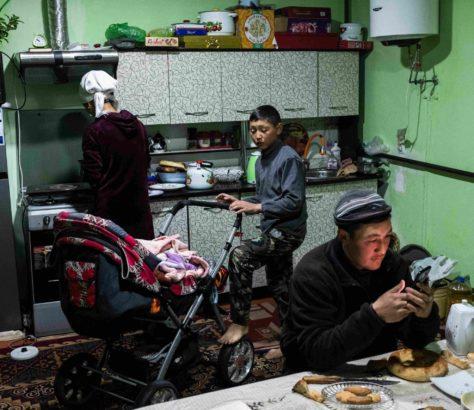 cuisine famille travail kirghizstan Danil Usmanov