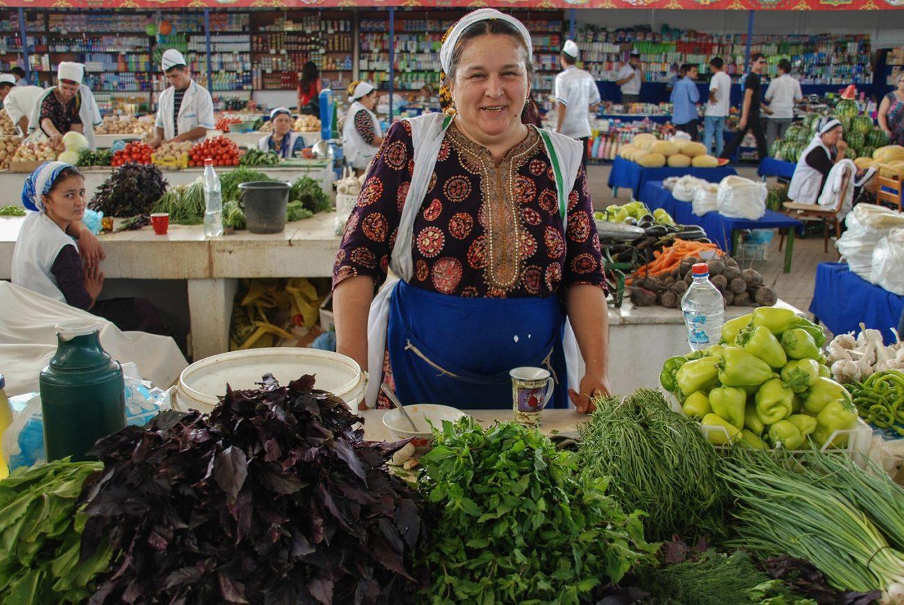 Turkménistan Achgabat Marché Couvert Vendeuse Photo du jour