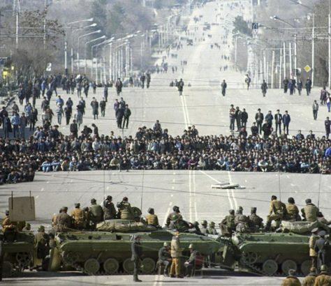 Douchanbe blindés guerre manifestations