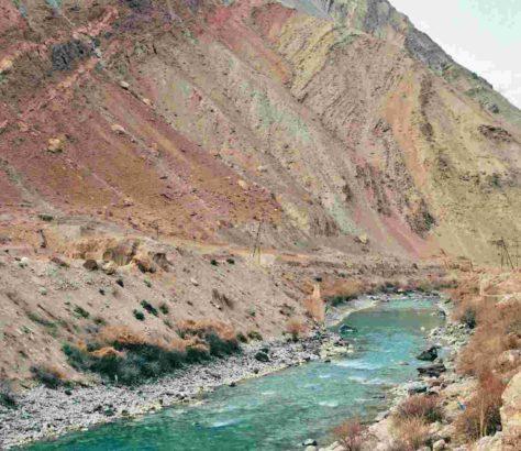 rivière route Duchanbé Ayni