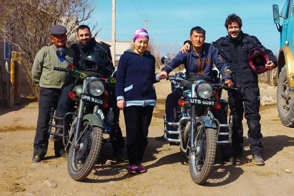 India on Bullet Asie centrale route de la soie