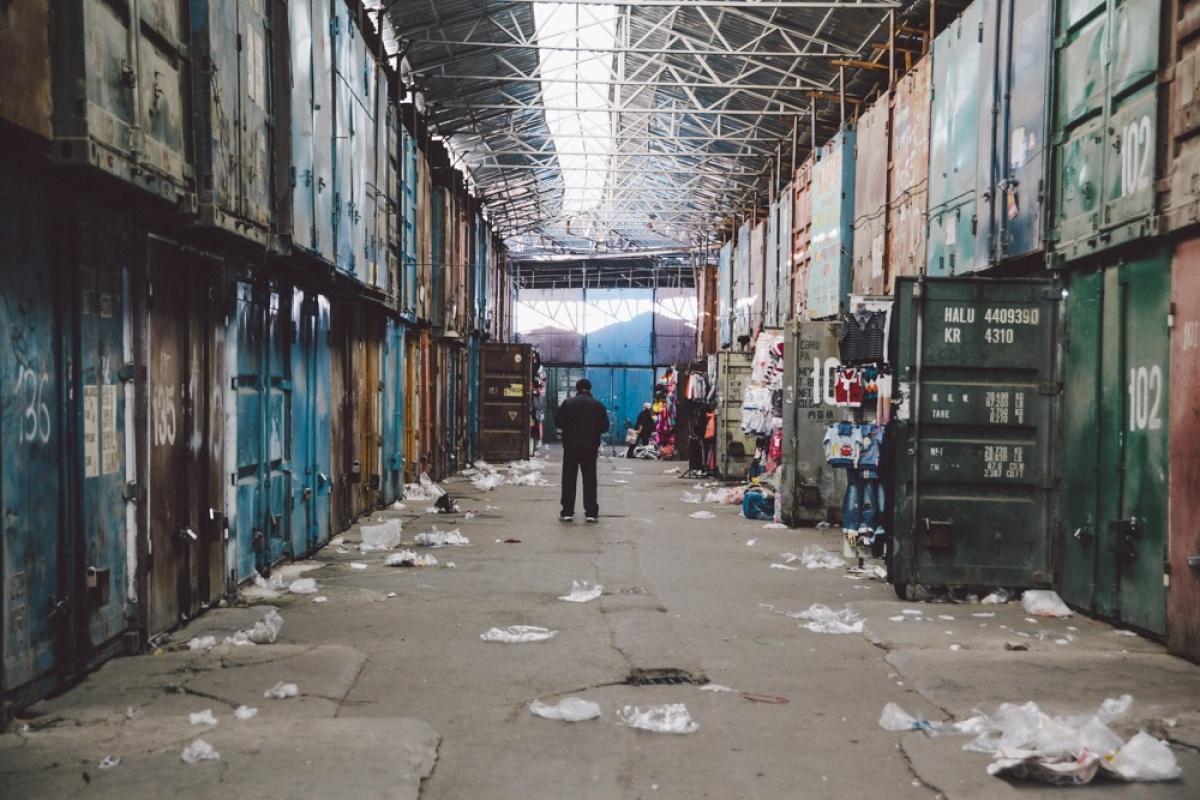 Le bazar de Dordoi en Asie centrale